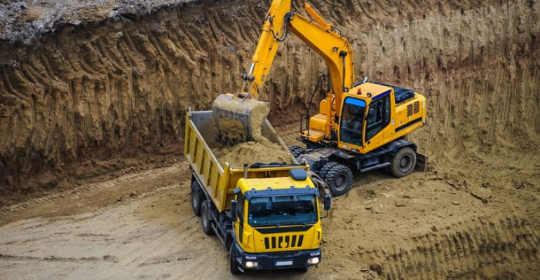 Excavación y carga de camión